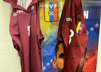3c058734b Venezuela forced to play Catalonia in Decathlon hiking shirts