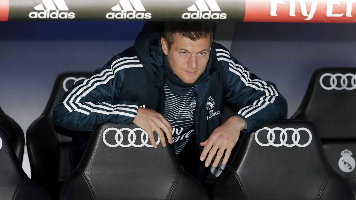 Kroos meditates leaving Real Madrid.