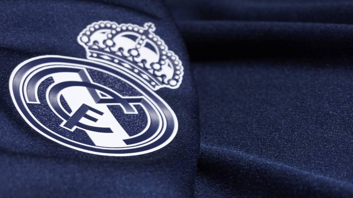 decca4710 La tercera equipación del Real Madrid de la Champions League de la  temporada 2015-2016. Adidas