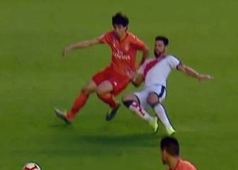 Rayo penalty shouldn't have been given - AS resident ref