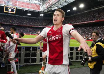 Matthijs de Ligt cooling on Camp Nou move