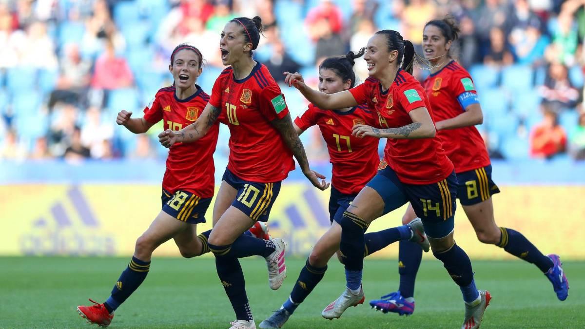 El VAR salva a España