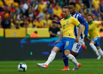 Brazil's Arthur injured in Honduras-thumping warm-up