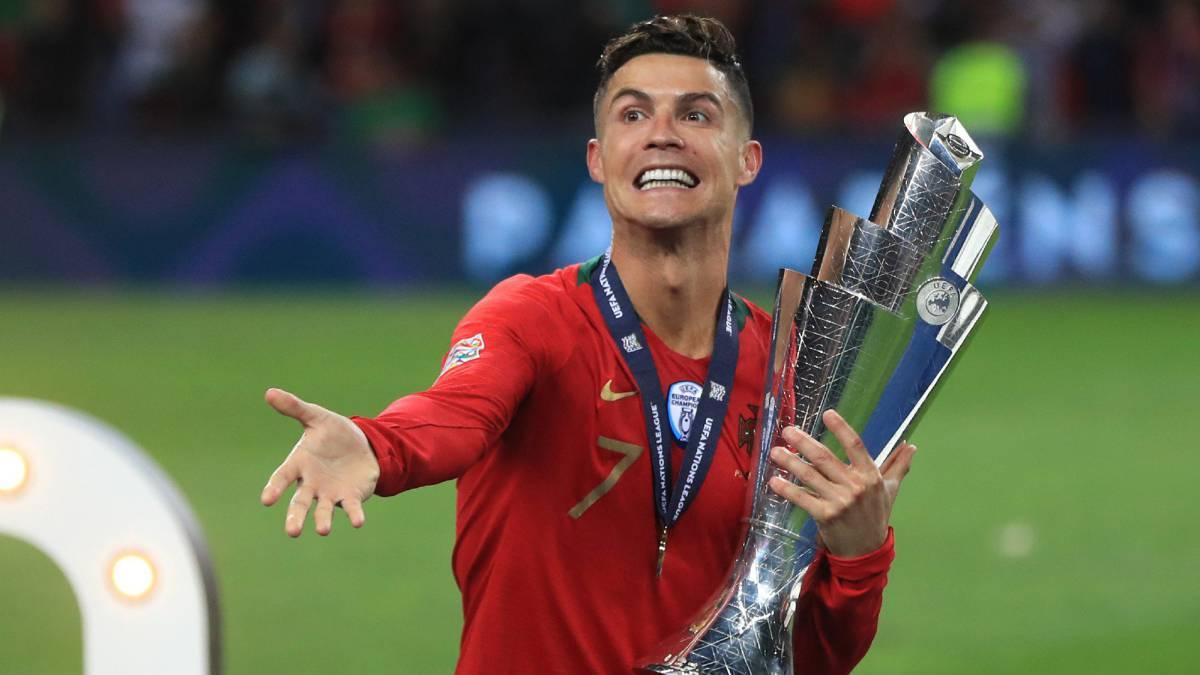 Cristiano Ronaldo celebra la Liga de Naciones con Portugal.