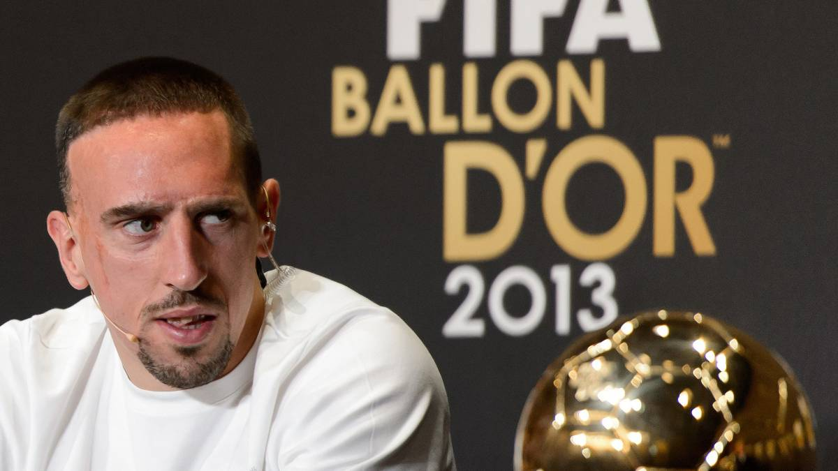 Bayern Munich's French midfielder Franck Ribery, 2013 FIFA Ballon d'Or nominee, attends a press conference ahead of the FIFA Ballon d'Or award ceremony at the Kongresshaus in Zurich on January 13, 2014. AFP PHOTO / FABRICE COFFRINI