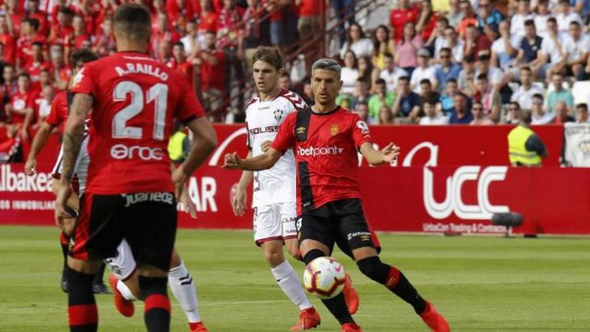 El Mallorca resiste al Belmonte y peleará por subir a Primera