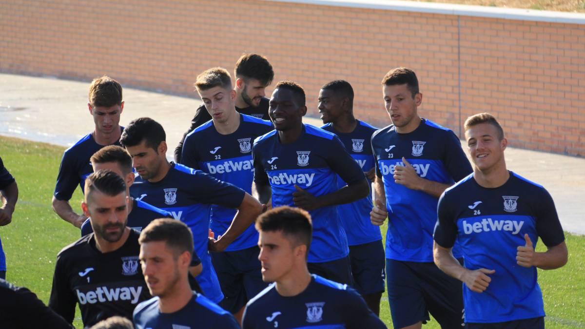 El Leganés ya tiene 20 jugadores, pero media docena podría salir