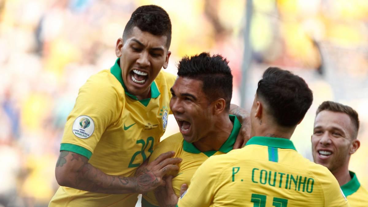 Brasil vuelve al 'jogo bonito' y golea a Perú para ir a cuartos