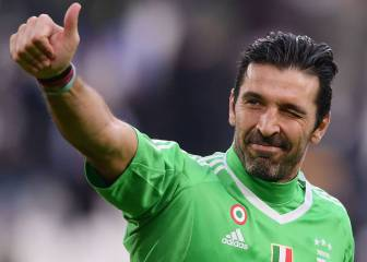 Buffon wants clause in contract to make sure he beats Maldini's record