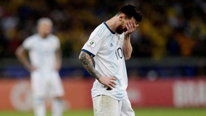 Messi lamenta la eliminación ante Brasil.