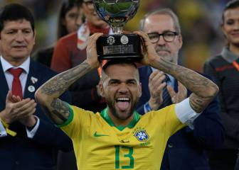 Dani Alves leads stellar list of big-name free agents this summer