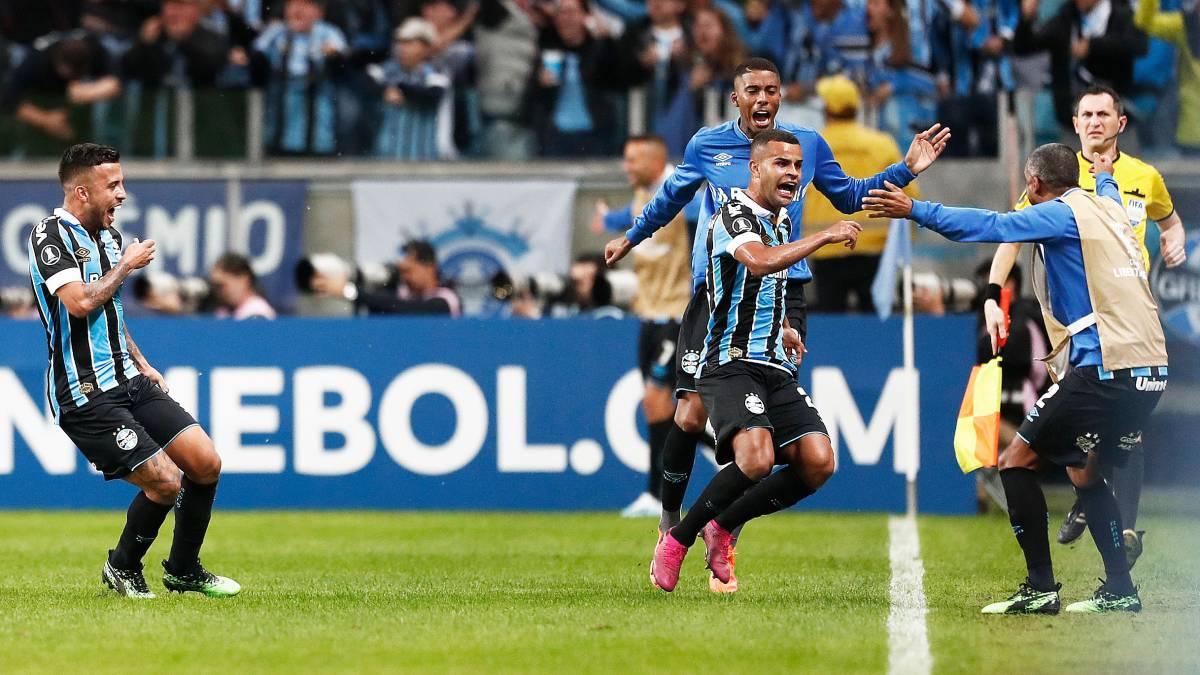 Gremio 2 Libertad 0 - Copa Libertadores 2019 (Octavos de Final - Ida) - Vídeo  1564095368_653172_1564107927_noticia_normal