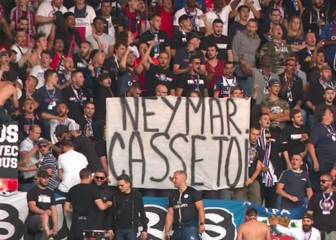 PSG fans unveil anti-Neymar banners during Nimes game