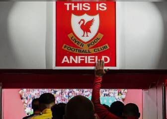 Liverpool: Klopp lifts ban on touching 'This is Anfield' sign