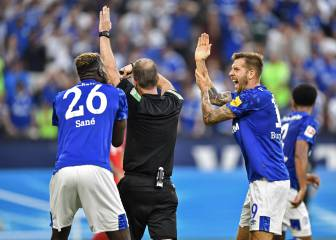 Schalke fan reports VAR to police after Bayern defeat