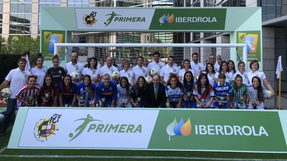 Panini anuncia que no habrá cromos de la liga femenina