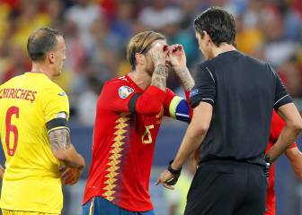 Referee Aytekin apologises to Ramos for glasses celebration yellow card