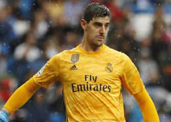 Courtois annoyed with Hazard