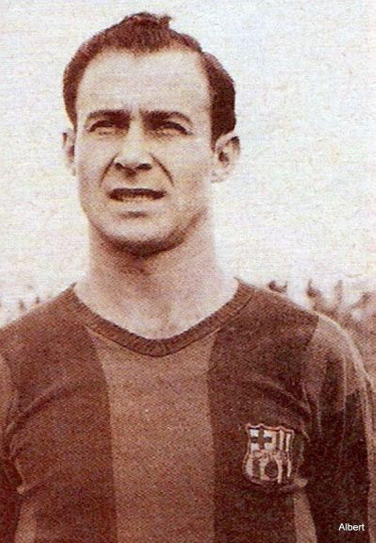 César Rodríguez Vistió la camiseta del Barcelona en tres etapas diferentes: la temporada 1938-1939, en 1940 y desde 1943 hasta 1955. Jugó cedido por el Barcelona en el Granada desde 1940 hasta 1943.