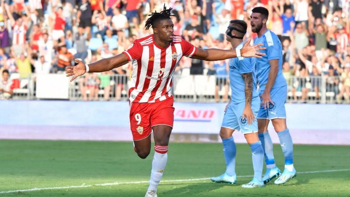 Almeria l´der con Cádiz y Zaragoza a la estela. Los maños con un partido menos al suspenderse el que debian disputar contra el Fuenlabrada