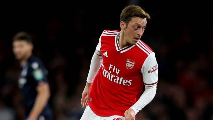 El centrocampista alemán del Arsenal, Mesut Özil, durante un partido.
