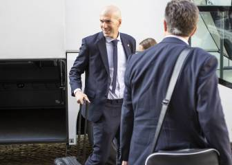 All smiles for Zidane as he arrives in Turkey