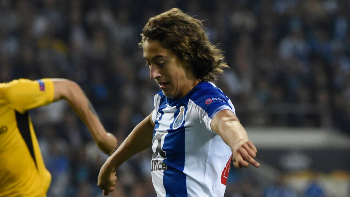 Fabio Silva, que suena para el Atlético de Madrid, en un partido con el Oporto.