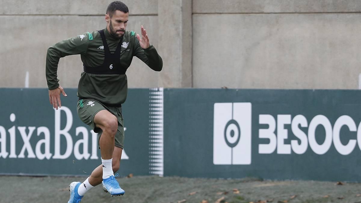Alfonso Pedraza se queda fuera de la lista del Betis para el derbi - AS
