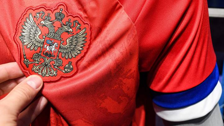 Peru World Cup 2020 Jersey.Russia Refuse To Wear Euro 2020 Shirts Due To Serbia Flag