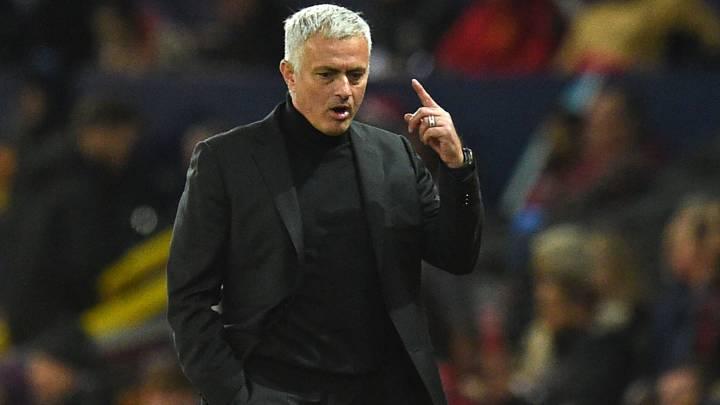 El entrenador portugués del Tottenham, José Mourinho, durante un partido.