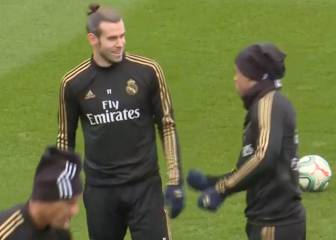 Real team-mate's mock golf swing draws chuckle from Bale