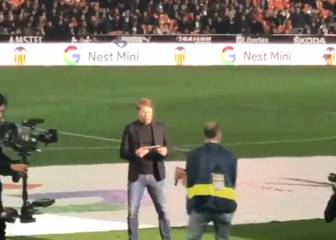 Gaizka Mendieta whistled at Mestalla