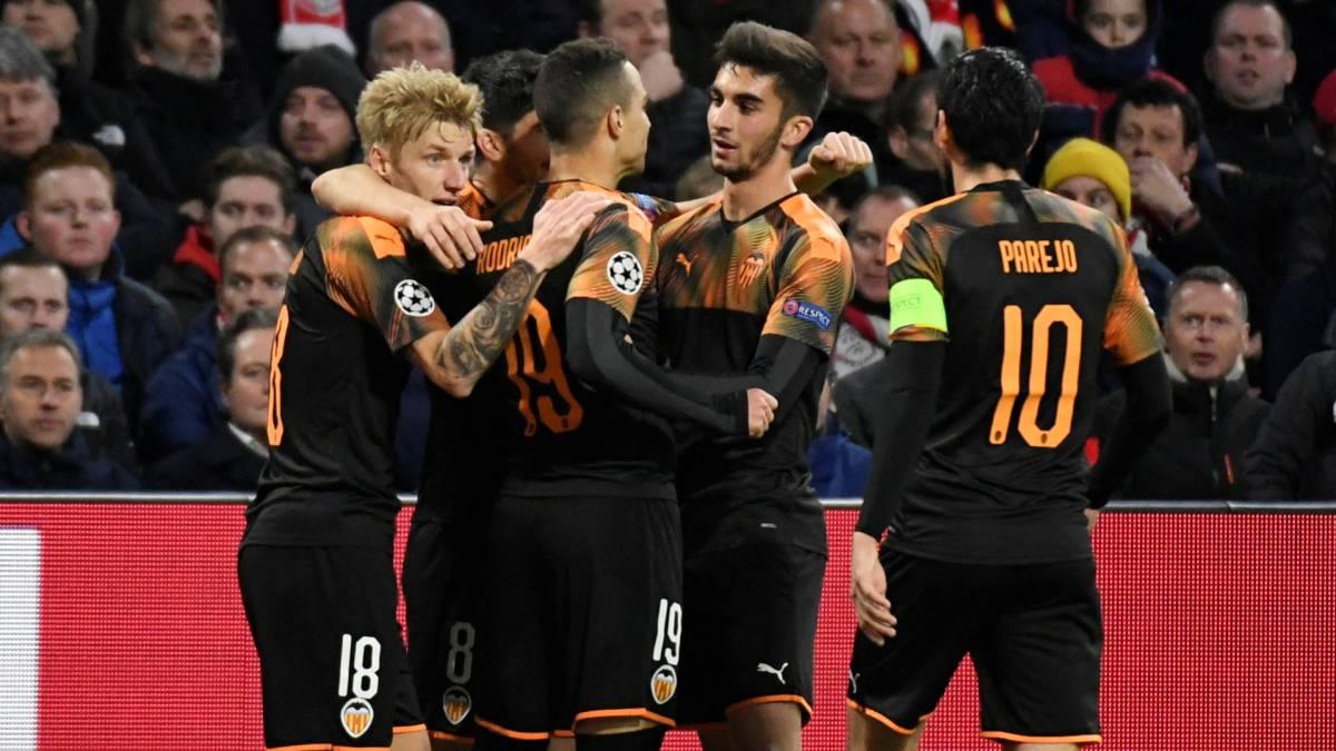 Con un gol de Rodrygo, Valencia se trae la clasificacion del Amsterdam Arena haciendo historia (Vídeo) 1576003509_101189_1576014931_noticia_normal