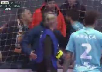 Osasuna captain tackles racist fan and gets yellow card
