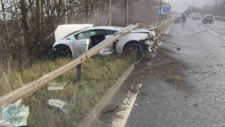 El Lamborghini de Sergio Romero, destrozado tras el accidente.