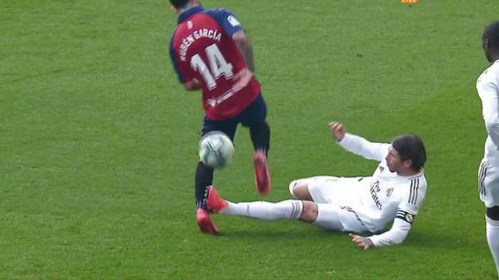 Osasuna 1 4 Real Madrid Ramos Tackle A Red Card As Resident Ref As Com