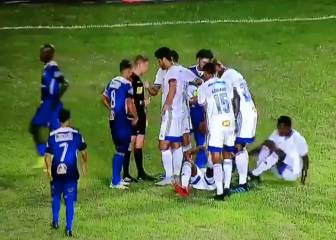 Referee ruse rumbled as Cruzeiro try to avoid red card