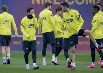 Barcelona squad train amid frustration and disbelief