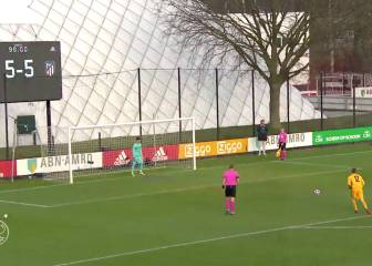 Ajax sub keeper saves three and scores in Atlético shootout