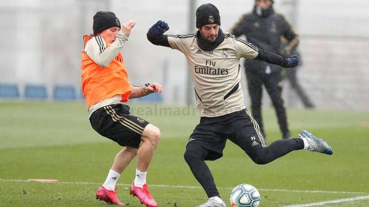 Isco returns to Real Madrid training after missing Wednesday