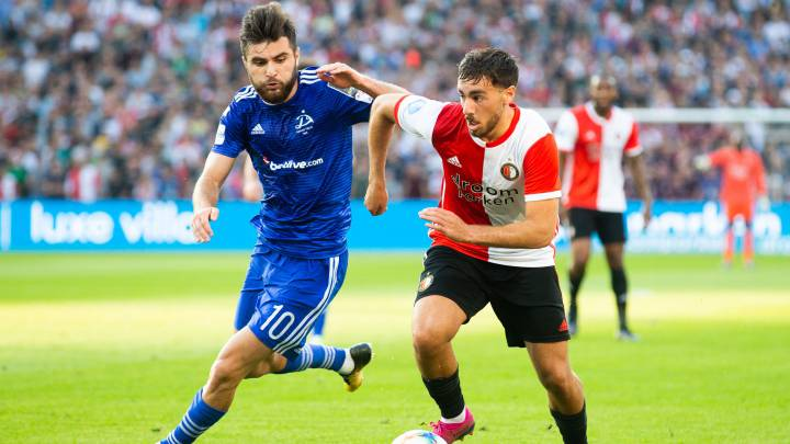 El centrocampista turco del Feyenoord, Orkun Kökcü, durante un partido.