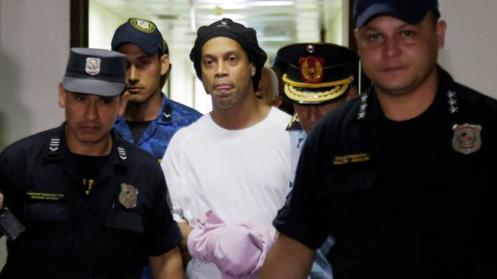 Ronaldinho: Paraguayan judge rejects seven-figure bail bond