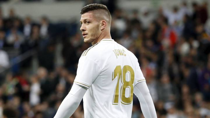 El Real Madrid tranquiliza a Jovic.