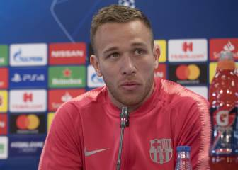 Barcelona's Arthur responds to exit rumours