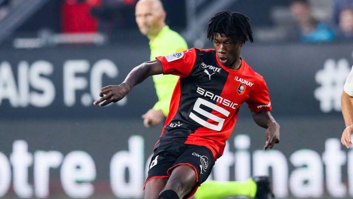Real Madrid: Camavinga has decided to stay at Rennes, says coach