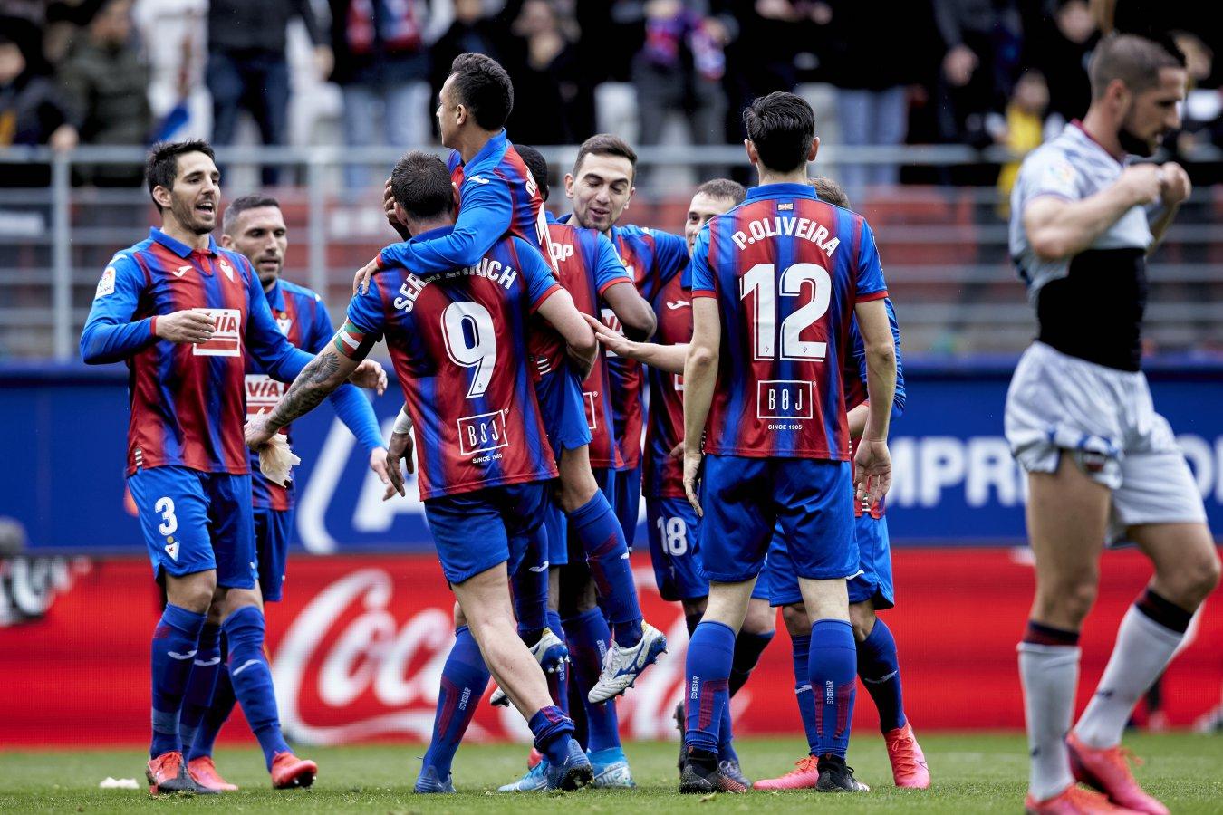 Alegría jugadores del Eibar