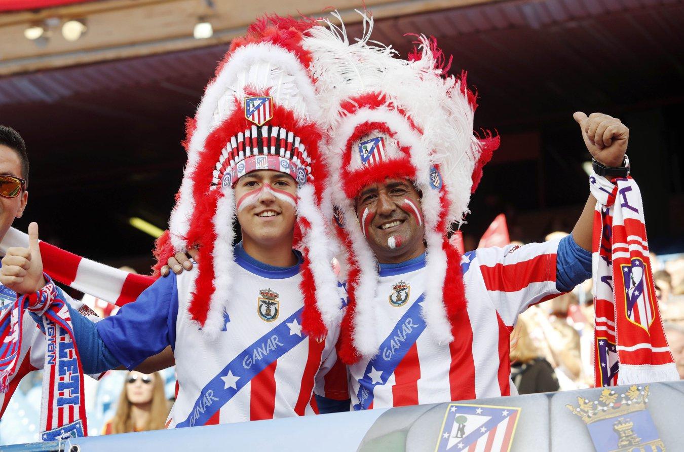 Seguidores 'indios' del Atlético de Madrid
