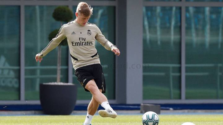 Real Madrid's Toni Kroos explains importance of Bundesliga return