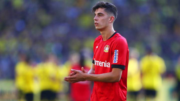 DORTMUND, GERMANY - SEPTEMBER 14:  Kai Havertz of Bayer 04 Leverkusen looks dejected in defeat after the Bundesliga match between Borussia Dortmund and Bayer 04 Leverkusen at Signal Iduna Park on September 14, 2019 in Dortmund, Germany. (Photo by Lars Baron/Bongarts/Getty Images)