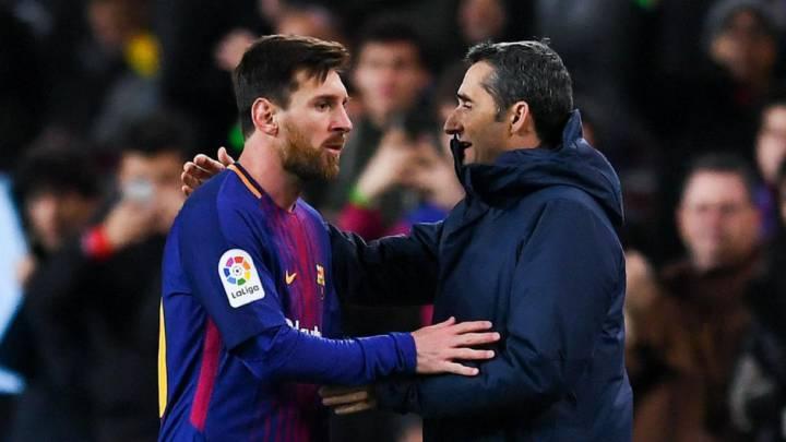 Messi saluda a Valverde.